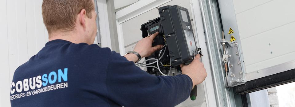 Cobusson bedrijfs- en garagedeuren voor onderhoud en reparatie